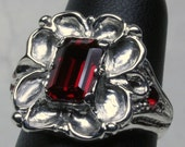 Garnet and Ruby sterling silver  Tudor rose ring size 5 1/2