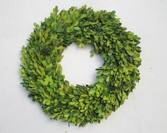 Boxwood Wreath 24 Inch Round