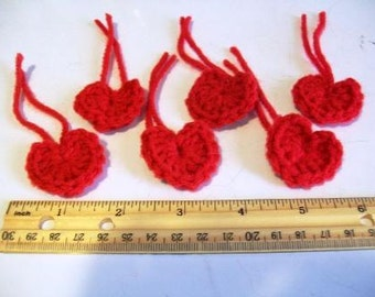 Set of 6 Little Yarn Hearts Red