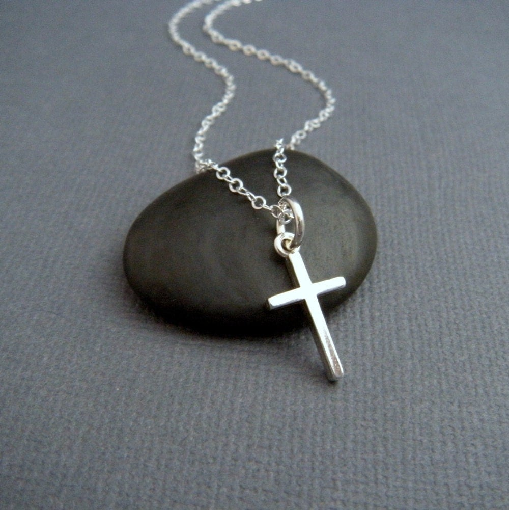 silver cross necklace small sterling silver cross pendant. Black Bedroom Furniture Sets. Home Design Ideas