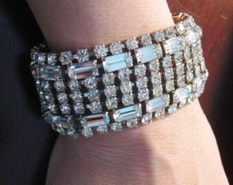 The best 1950 Large Rhinestone bracelet