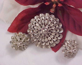 Exquisite SILVER PLATED Dimensional Brooch and Clip Earrings