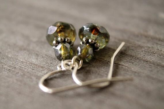Woodland - green petite earrings