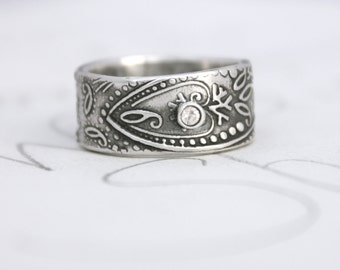 wide paisley wedding band with sapphire . unique engagement ring . bohemian paisley white sapphire ring . engraved ring by peacesofindigo