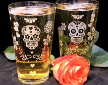 2 Day of the Dead Wedding Glasses with Sugar Skulls, Pint Glass Wedding Party Gifts