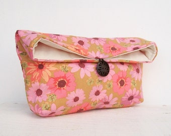 Pink Floral Clutch Purse, Bridesmaid Gift, Bridesmaid Clutch, Purple, Daisy, Makeup Bag, Gift Under 25, Cosmetic Bag