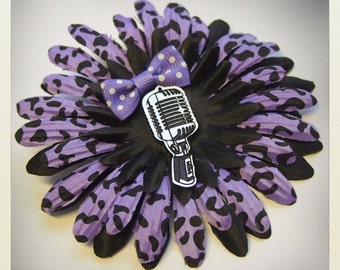 Violet Pin Up-style animal print Hair flower with retro vintage microphone