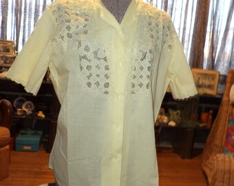Stunning 1950's 1960's Mad Men Lemon Yellow Cotton Blouse Shirt Floral Lace Trim & Collar