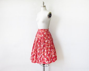 50s floral skirt, vintage 1950s floral print skirt, full cotton skirt, 22 w