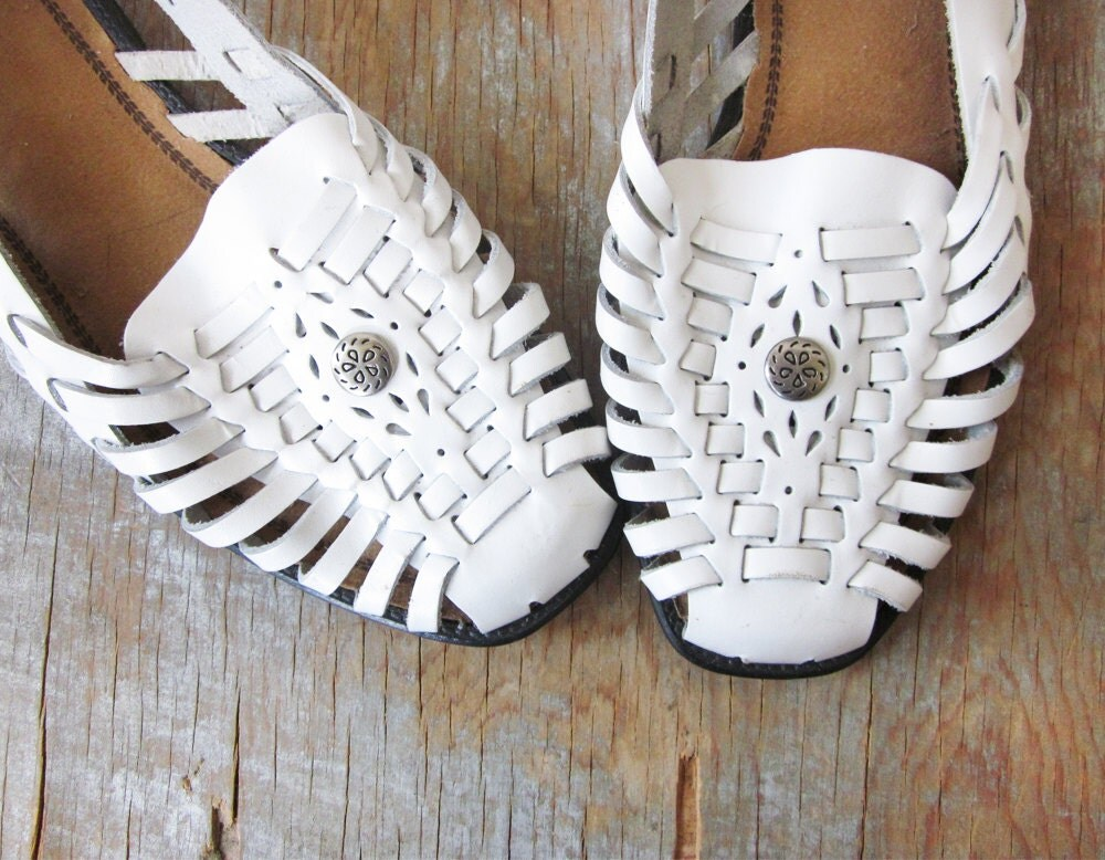 White Huaraches Sandals Woven Leather Sandals Size 7 Shoes