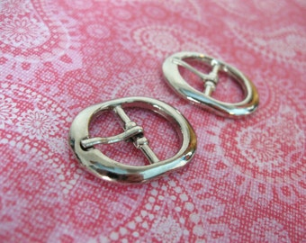 2 Silver Oval Metal Belt Buckles - Small buckles for shoe, bags or sewing embellishment 31x24mm (BU102)