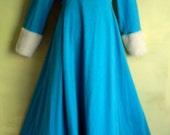 M Vintage 70s Henson Kickernick Russian Princess Robe Gown Blue Turquoise White Plush Hemline Cuffs
