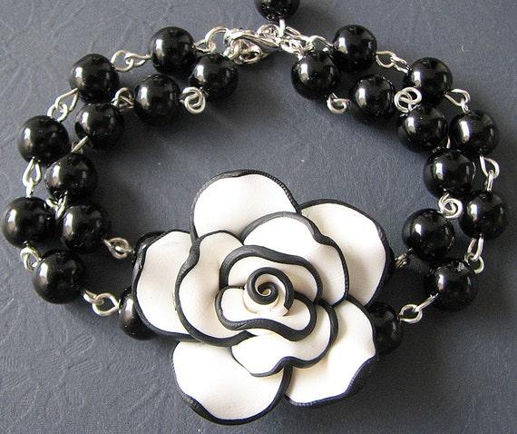 Charm Bracelet Beaded Bracelet Black Bracelet Black and White Jewelry Flower Bracelet Bridesmaid Jewelry Black Jewelry