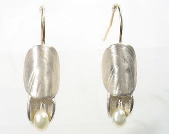 Part of Nature - silver and pearl earrings with gold wire