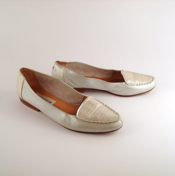 Nordstrom Flats Shoes Vintage 1980s Pearlized white Leather size 10