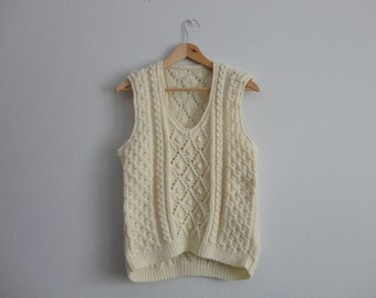 VINTAGE ivory cable knit pullover SWEATER VEST (medium)