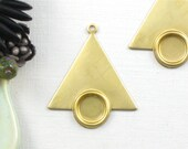 10 TRIANGLE with Circle Bezel jewelry pendant or earring drops. 26mm x 22mm (S59). PLease read description