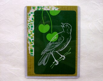 PLAYING CARD MAGNET - Bird on the Green