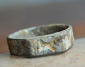 size 6, antique or vintage ring from an archaeological dig, collectibles, dug out, unique, gorgeous, coolvintage, old, metal patina x133