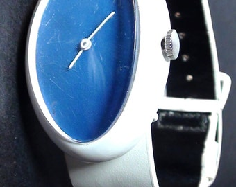 Retro Vantago Bill Blass Watch Enamel Mechanical Wind Up   and is Working retro LATE 1960s  on SaLe Now