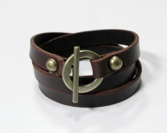 Leather Bracelet Leather Cuff with Bronze Alloy Toggle Clasp in Brown color