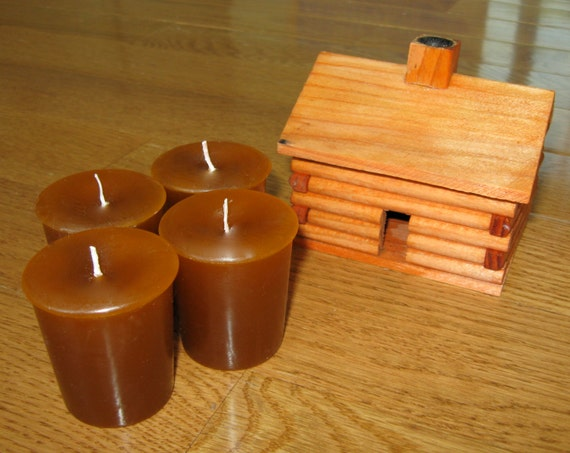 LOG CABIN CEDAR (4 votives or 4-oz soy jar candle)