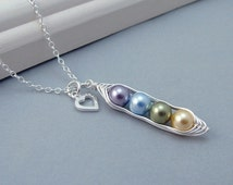 Custom Birthstone 4 Peas in a Pod Necklace, Mothers Necklace, Sterling Silver Pearl Peapod Personalised Necklace, family necklace, grandma