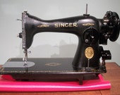 Singer 15-91 sewing machine - scroll plate design - classic 1941 vintage workhorse