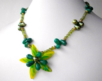 Green flower necklace, wire wrapped with peridot gemstones, quartz, art glass and pearls