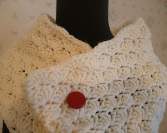 Crocheted Ivory Seashell Stitch Cowl or Shoulder Wrap