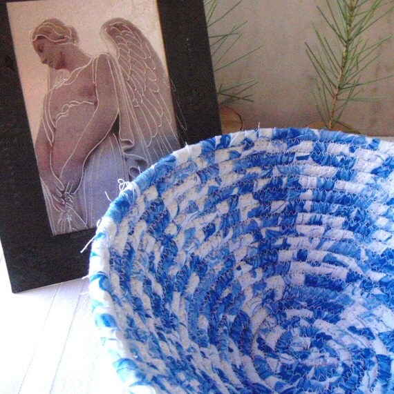 Coiled Fabric Basket - Blue Willow - Blue and White, Classic,  Handmade Fabric Bowl for Jewelry, Hostess Gift
