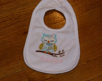 "Embroidered  Bib ""Personalized Owl """