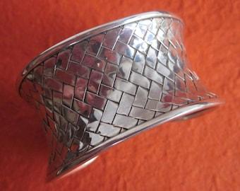 Balinese Silver sterling cuff Bangle / silver 925 / Bali handmade jewelry