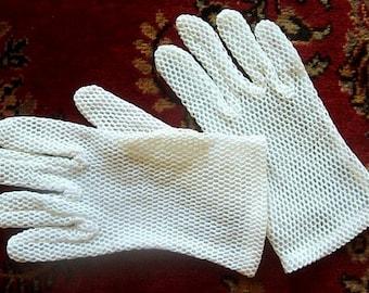 GLOVES Vintage NEW Dress Up Costume Authentic Retro Off White Nylon/Mesh Stretch