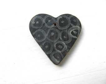 BlacK  HeaRt---------------Ceramic Necklace---Valentine's Day--LOVE