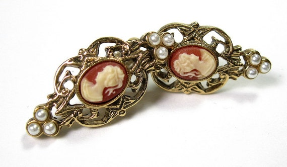 Vintage Cameo Earrings, Victorian Style Earrings, Pearl, Cameo, 1980s, Romantic Jewelry, Gifts for Women, Retro Jewelry, Antiqued Gold