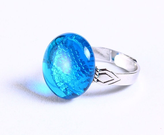 Petite cocktail ring caribbean blue glass adjustable silver ring OOAK (680) - Flat rate shipping