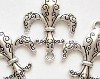 12 Fleur De Lis charms antique silver connectors metal 21mm x 25mm YLA12