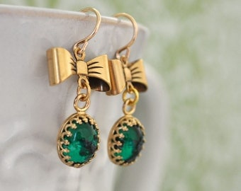 EMERALD DROPS vintage Swarovski green glass cab earrings gold filled with bows