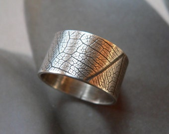 Leaf pattern ring, textured ring, Sterling silver ring, wide band ring, metalwork jewelry, unisex ring, gift for him, Christmas present