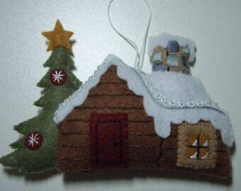 Bucilla Felted BLACK BEAR BONFIRE  Log Cabin Christmas ornament