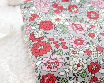Lovely Floral on Cotton in GRAY, U6050