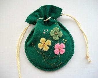 Green Jewelry Bag Felt Gift Bag or Compact Pouch Handsewn