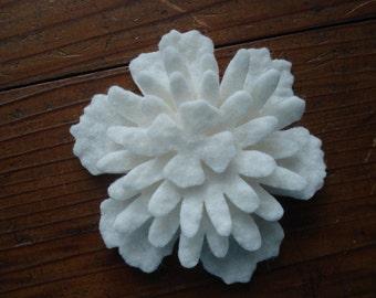 Wool Felt flowers -white