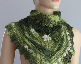 Triangle Crochet  Scarf - Crochet  Shawl - Neck Warmer - Bandana