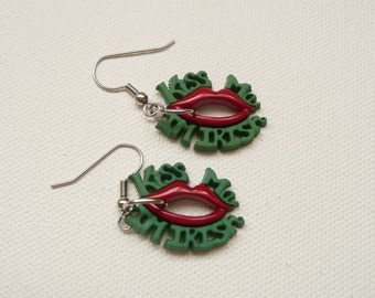 hd-KISS ME I'M IRISH St. Patrick's Day Dangle Earrings