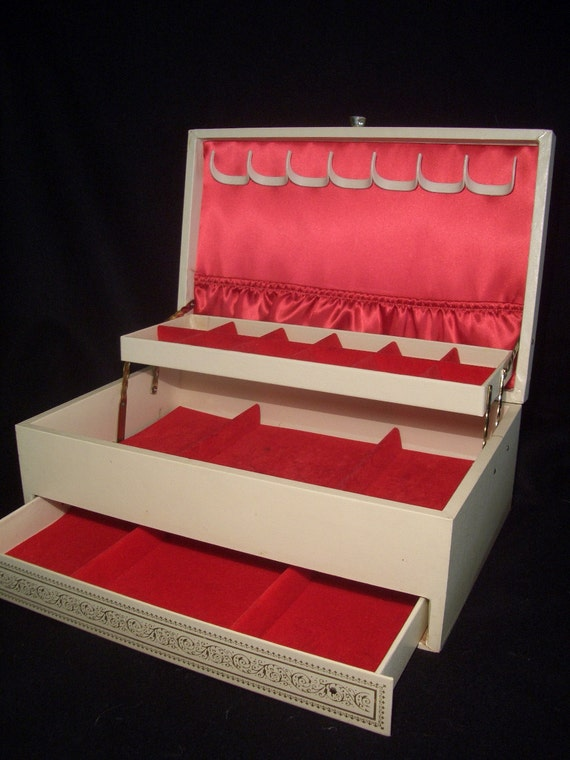 Vintage 60s Jewelry Box  ....White Faux Leather,  Gold Accent, Red Velvet...