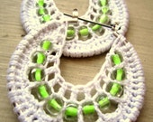 Crocheted hoops with beads in White and light green beads
