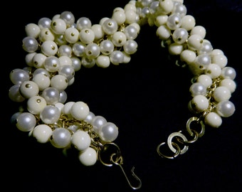 PEARLS AND BEADS vintage necklace, 60's