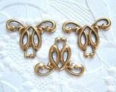 3 - Andtiqued brass art nouveau connectors - SS202